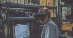 The use of virtual reality in corporate training