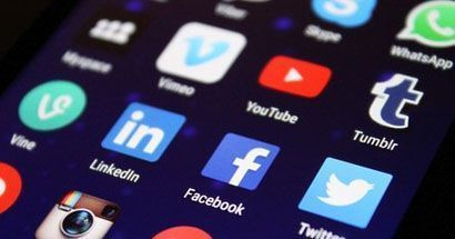 Social groups: is eLearning the new frontier of social networks such as Facebook?